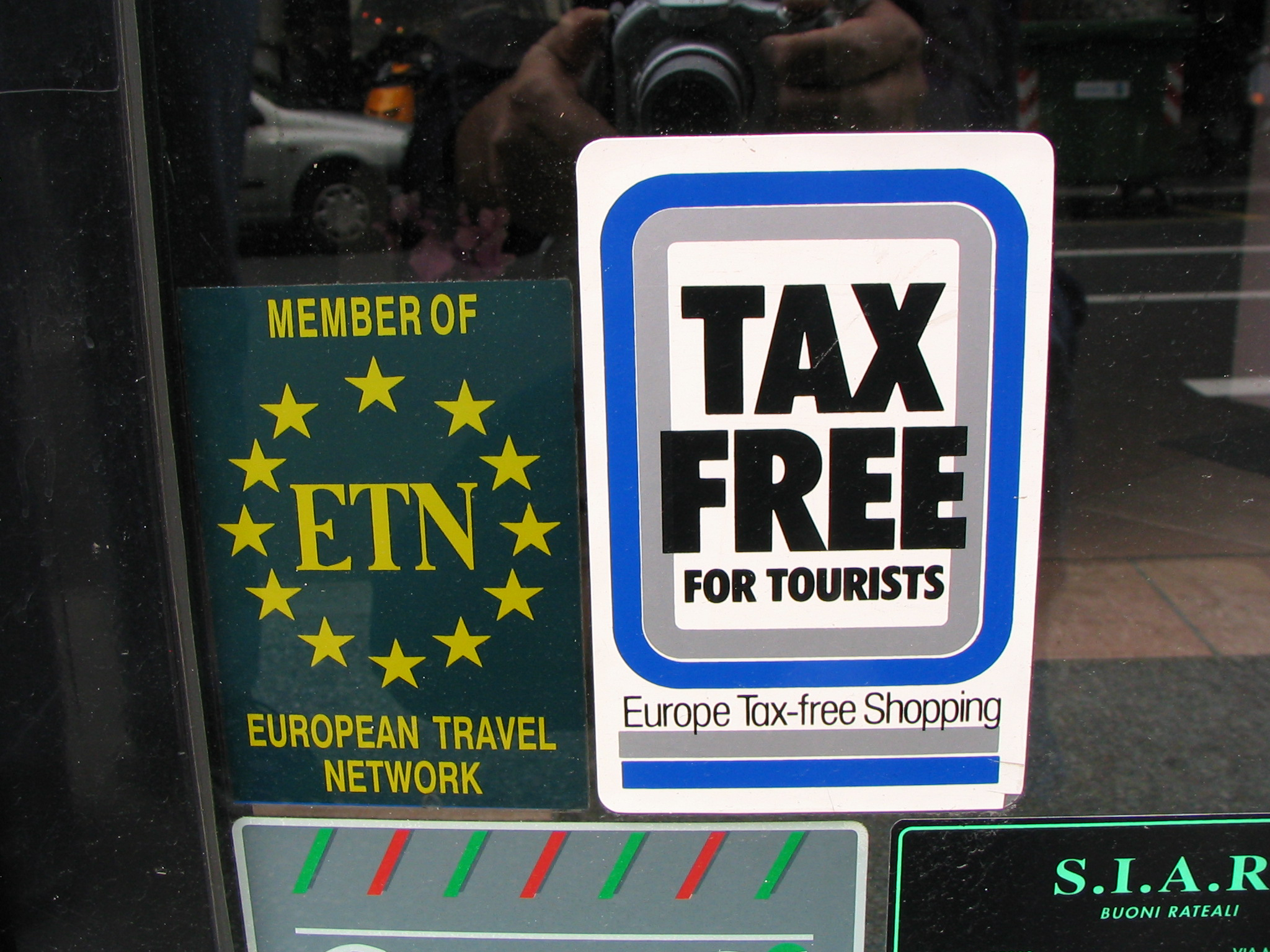 Tax free sign- Italy from the Inside