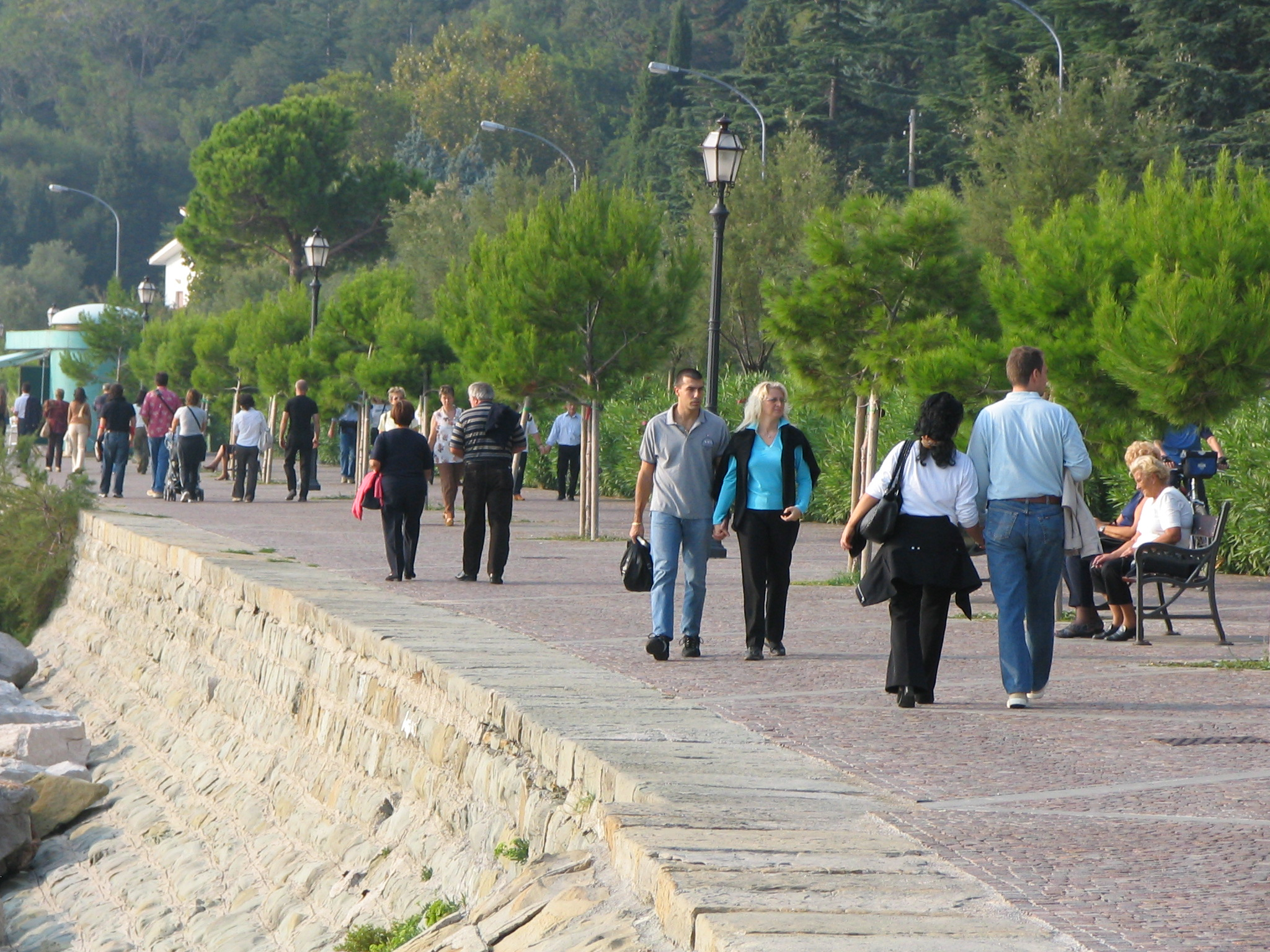 People strolling during Pasquetta
